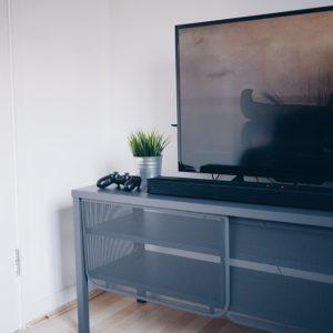 Handling Precautions for LED/LCD/ Plasma TVs | Cyborg Services
